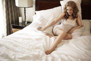 Kylie-Minogue--Sloggi-Photoshoot-2014--02-662x441