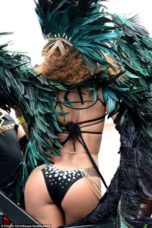 Sexy_Rihanna_Barbados_2015