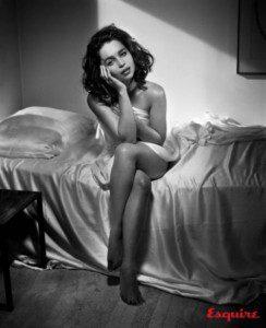 Emilia-Clarke-is-Sexiest-Woman-Alive-2015-2-487x600